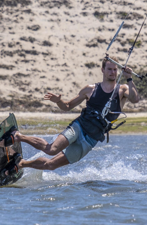 advanced-kitesurfer