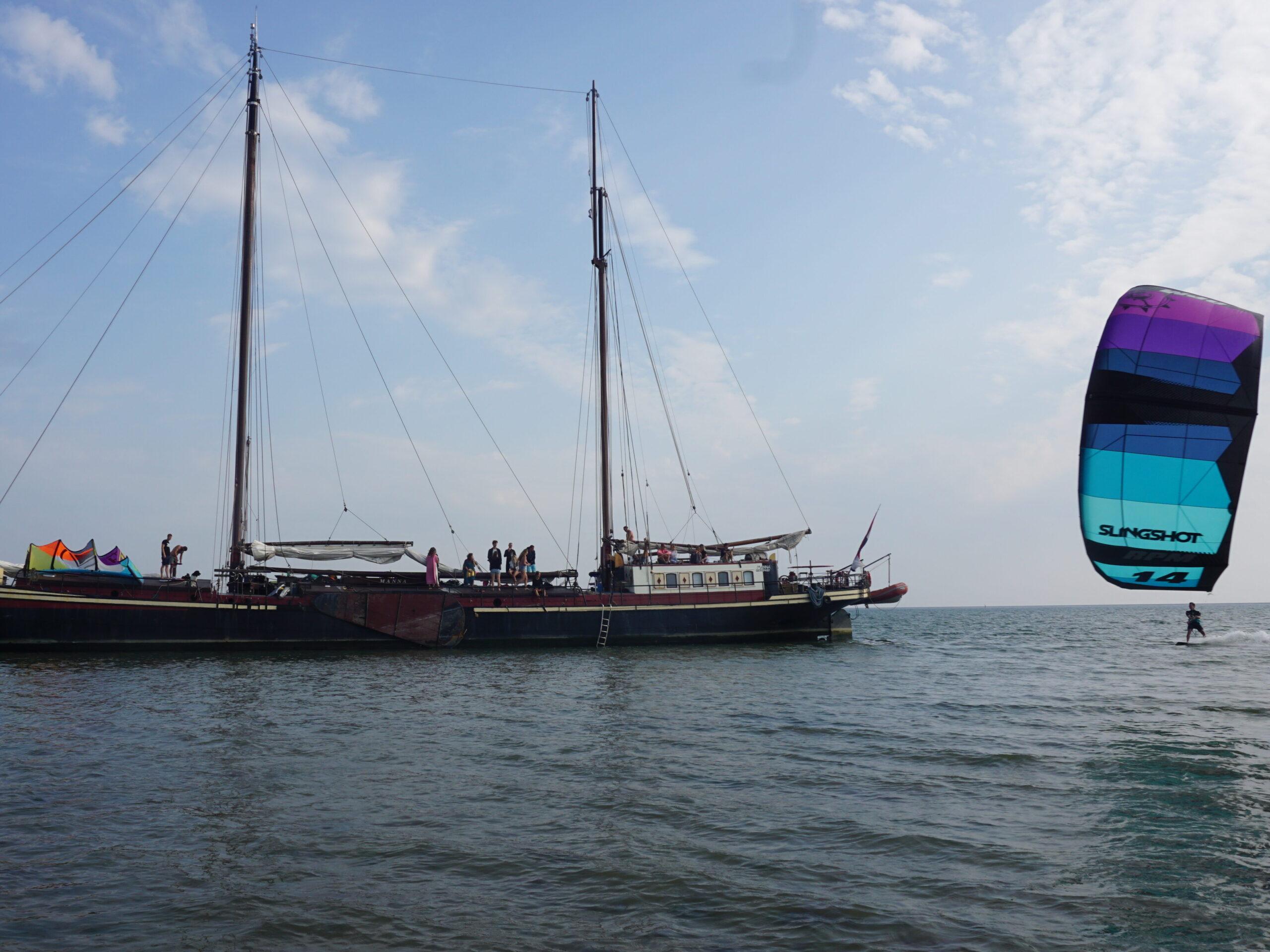boat-sail-kitesurf