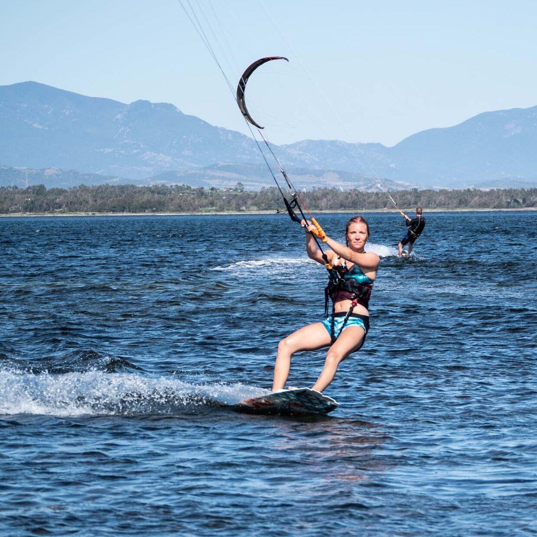 babe-kitesurf
